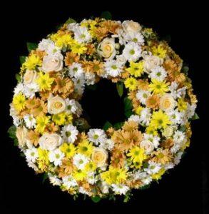 Trauerkranz gelb /weiß Friedhof Mering